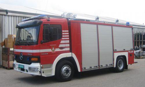 Xe chữa cháy công nghiệp bằng bột khô