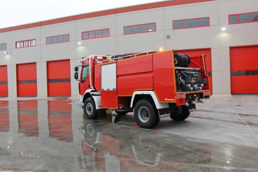 Xe chữa cháy rừng6
