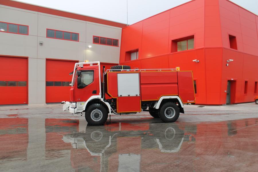 Xe chữa cháy rừng3